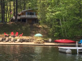 Lakefront Chalet in the White Mountains-3 Bedrooms-Sleeps Six