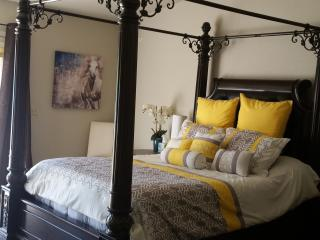 BEAUTIFUL  GUESTHOUSE WITH SEPARATE ENTRANCE, Phoenix