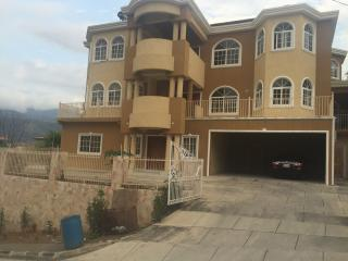Suite 4-The Karachi Manor