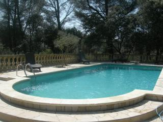 Location Provence 2 pers-piscine-tennis-petanque