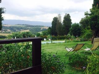 Todi, Villa Sobrano Charming Country House, with swimming pool ,self catering