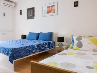 Sunny apartment in city center Split