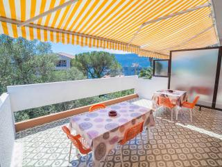 Apartments Bobeka - One Bedroom Apartment with Balcony and Sea View 1, Herceg-Novi
