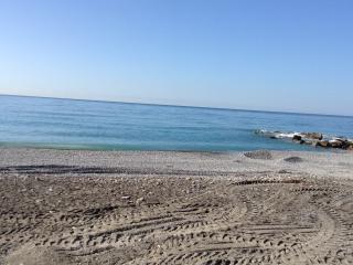 Bilocale fronte mare, Ventimiglia