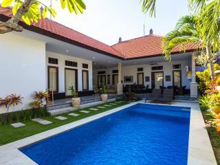 Villa Kenari Montrose Seminyak