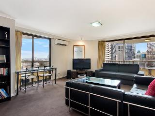 1405. Hyde Park Top Floor City Apartment, Sydney