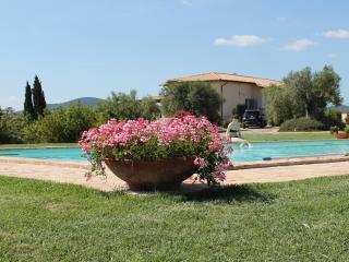 Casale Bel Canto : Vicino Capalbio con piscina e bellissimo parco