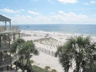Tastefully Decorated Beachside Condo~Bender Vacation Rentals