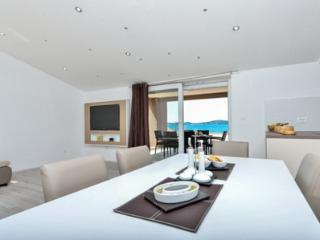 2 bedroom, beautifull sea view