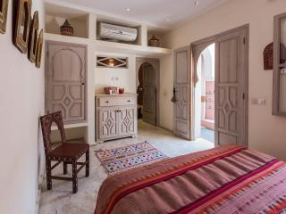 Riad Tahani Comfort Double Room with Pool View, Marrakech