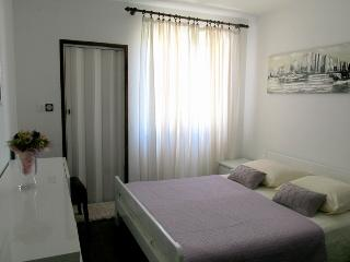 Cute Apartment Marina for up to 3 Persons, Krk