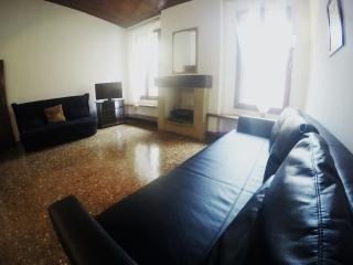 Casa Bella Old City-WIFI, 62 mq, TV Led 32'Centre, Bolonia
