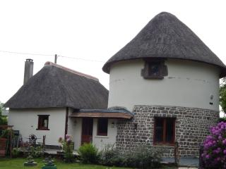 The Dovecote Thatched Cottage, Tessy-sur-Vire