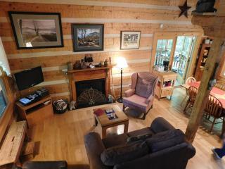 GATLINBURG  Log Home in Quiet Mountain Setting,