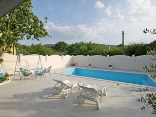 NEW! VILLA TUGARKA with pool+fitness+play-house, Omis