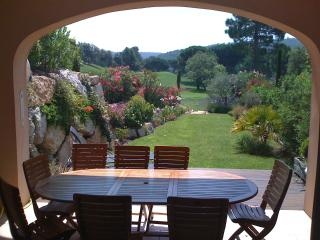St Tropez Home with Private golf +tennis,pool etc, Gassin