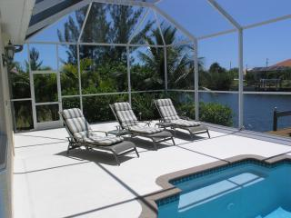 Villa Louisiana in Cape Coral, Canal Access, Pool