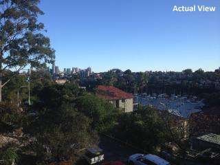 MOS21 - Relaxed, Convenient Two Bedroom Apartment, Balmoral