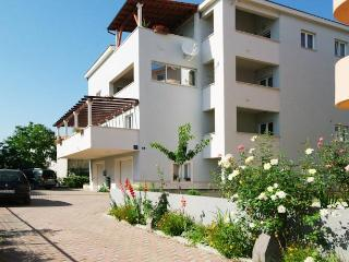 Apartments Elizabet- Two Bedroom Apartment with Terrace and Sea View (Crni)