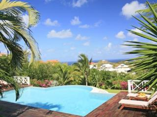 3 Bedroom, 3 Bath villa located high above the island's only 18 hole golf course, Cap Estate
