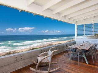OCEANFRONT LUXURY - Nest Holidays