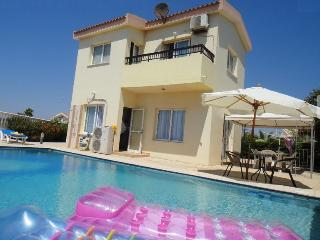 Luxury Villa by the sea & private pool *FREE WIFI*, Ayia Napa