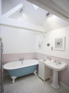 Ensuite bathroom for the loft bedroom
