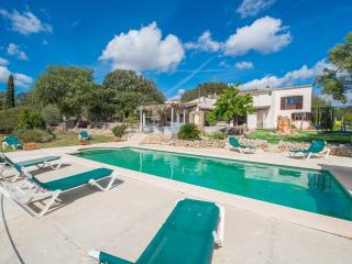 CORINDO - Villa for 8 people in Costitx