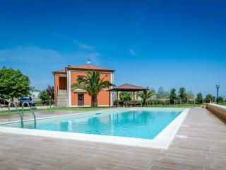 Mini appartamenti con piscina immersi nella natura