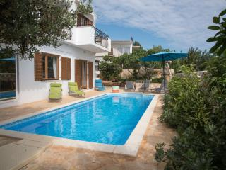 Luxury Apartment in Villa with Pool, Hvar
