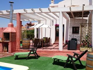 Villa private pool &BBQ 1 hour from Malaga airport
