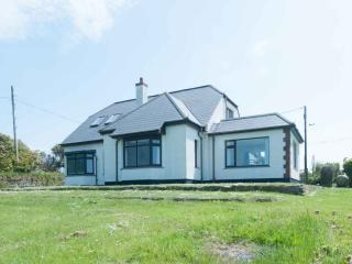 Chynoweth - detached house with sea view Crantock
