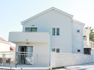 Villa with 3 apartments in Slano, Croatia