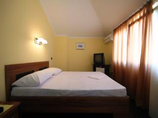 Guest House Opera - Double Room with Balcony 5, Budva