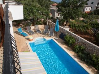 Luxury Three Bedroom Apartment with Pool, Hvar