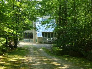 Contemporary in Water Access Community, Moultonborough