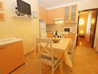 Apartment 9459, Porec