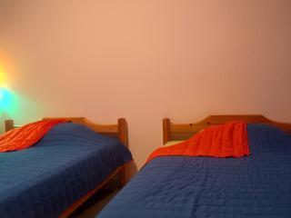 2 Bedrooms Flat, Nikiti