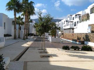 Luxury First Floor 2 Bed Roomed Apartment Sleeps 6, Mojacar