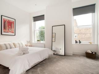 ~Gorgeous One bed flat in Fulham n.3~, London