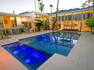 Modern Architectural Masterpiece - Iconic Home, Palm Springs