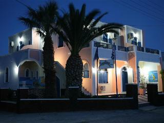 Katefiani Villa, Perissa