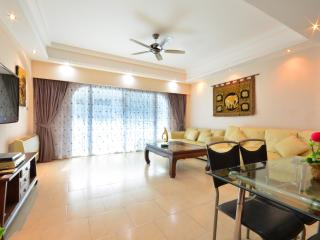 Luxury Condo 2 Bed 100m from beach, Pattaya
