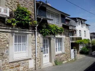 """A Little Gem"" in the heart of Dinard - WiFi"