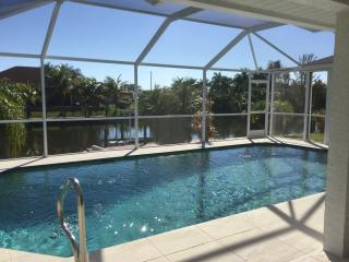 "Villa "" Romantika'-Gulf access, heater pool!, Cape Coral"