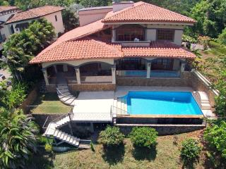 5 Bed 3.5 Bath Over Looks Los Suenos Marina, Herradura