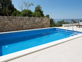 Sea view Holiday home Melly with pool in Makarska