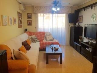 Very cozy apartment with urbanization, Alicante