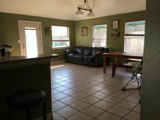 Family friendly home near downtown Kyle