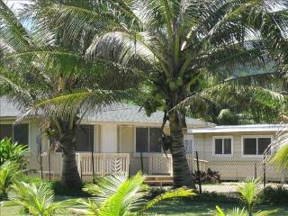 Coconut Beach Cottage - w/ BBQ, steps to beach, Hauula